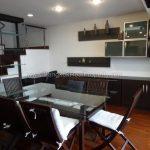 Duplex 2 bed 195 sq.m at kiarti thanee sukhumvit 31 to rent dining table