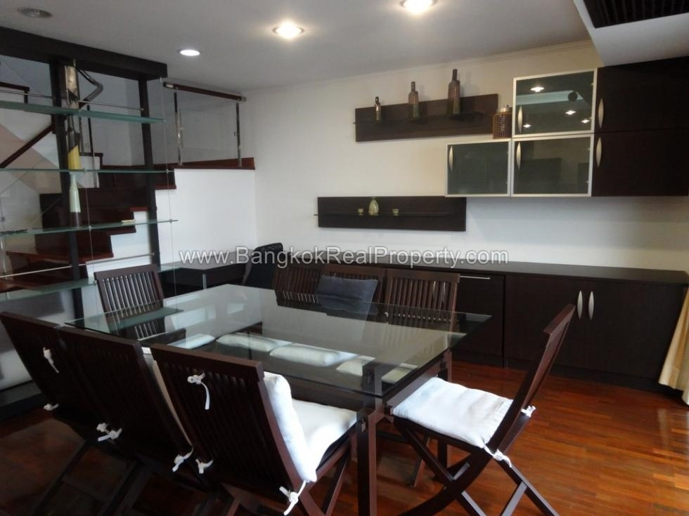 Exceptionally spacious 2 bed duplex at kiarti thanee for Duplex bed