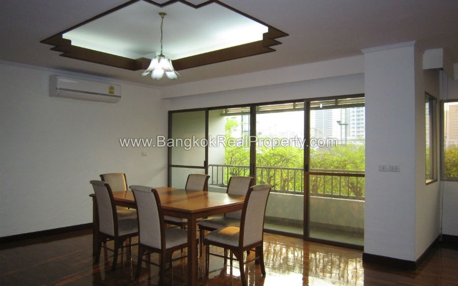 Phrom Phong Apartment for Rent 3 bed plus study 270 sq.m 4 bathrooms near BTS