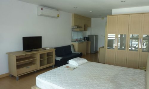 Plus 38 HIP Thonglor studio 30 sq.m for rent