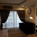 Renovated 1 bed 8 fl condo at Saranjai Mansion near Nana BTS to Rent Lving room