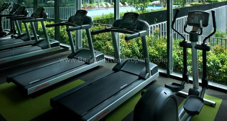 IDEO Mobi sukhumvit 81 at On Nut BTS 1 bed duplex 45 sq.m 22 floor to rent fitness
