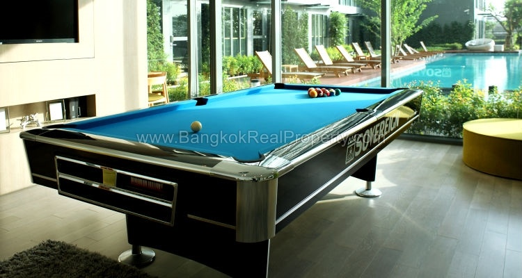 IDEO Mobi sukhumvit 81 at On Nut BTS 1 bed duplex 45 sq.m 22 floor to rent snooker