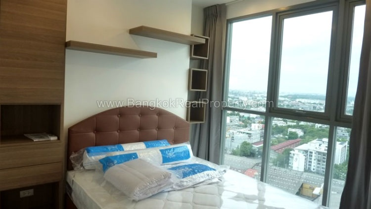 IDEO Mobi sukhumvit 81 at On Nut BTS 1 bed duplex 45 sq.m 22 floor to rent bedroom 1