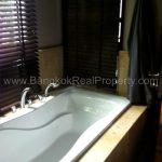 Vincente Sukhumvit 49 1 bed 68 sq.m to sale in Phrom Phong Thonglor Bathtub