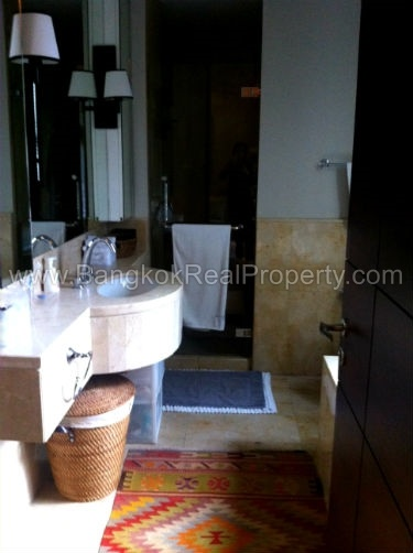Vincente Sukhumvit 49 1 bed 68 sq.m to sale in Phrom Phong Thonglor Bathroom