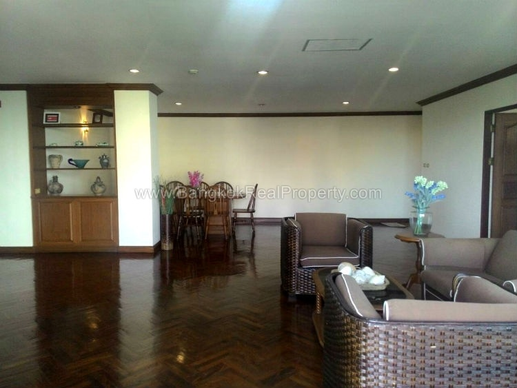 Rent Spacious 2 Bedroom Asoke Apartment For Rent