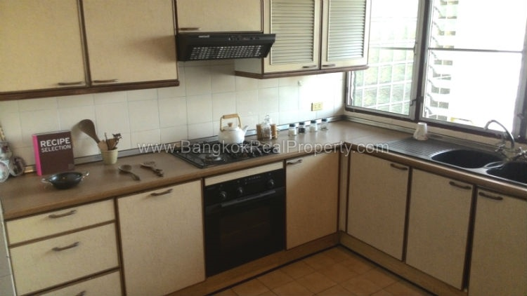Rent spacious 2 bedroom asoke apartment for rent Whats a studio apartment