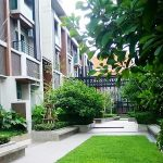Spacious 3 bed plus study 3 floors 240 sq.m house to rent in sathorn