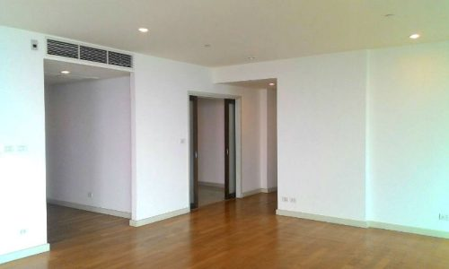 Unfurnished Watermark Chaophraya 3 bed 3 bath 240 sq.m high floor with river views (15)