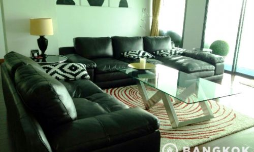 Le Raffine 39 Spacious 2 bed 3 bath 200 sq.m with private pool near BTS