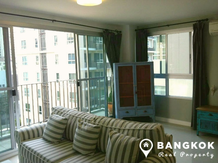 The Clover Thonglor | Large Bright  Corner 1 Bedroom photo
