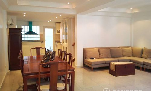rent ploenchit house 3 bed 1 maid 280 sq.m near Phloen Chit BTS