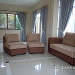 Setthasiri Bangna-Wongwaen 3 bed 3 bath house for rent Living Room