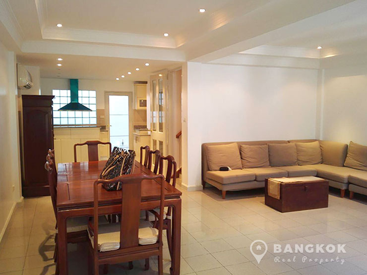 Modern 3 bed 3 bath ploenchit house near bts for Whats a terraced house