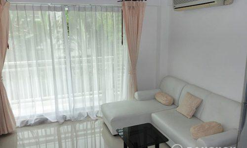 Plus 38 Hip Modern Corner 2 Bed 2 Bath near BTS to rent