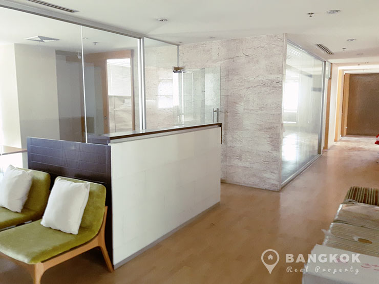 Spacious Penthouse Asoke Office to Rent near BTS photo