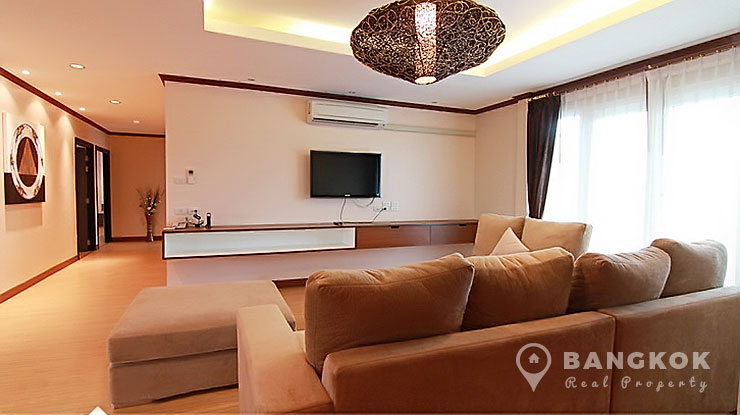 Stunning Modern Spacious 3 Bed 3 Bath Ekkamai Apartment photo
