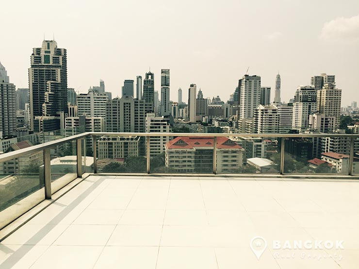 The Room Sukhumvit 21 Asoke | Spacious Modern 2 Bed Duplex photo