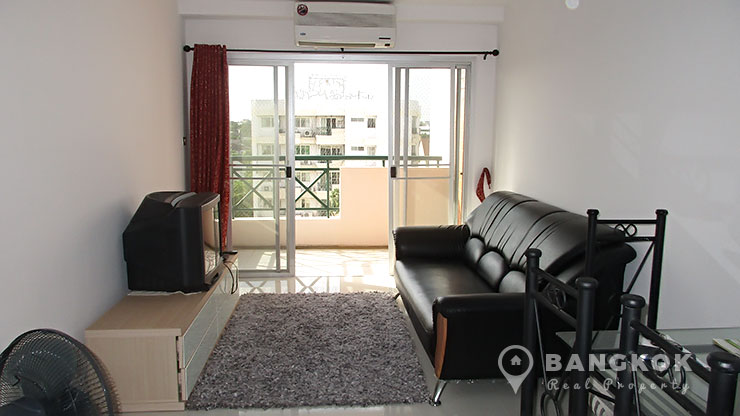 Sammakorn Condominium High floor 2 bed 1 bath 68 sq.m to rent