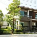 Brand New Detached 3 Bed 3 Bath Bangna House with Garden to rent
