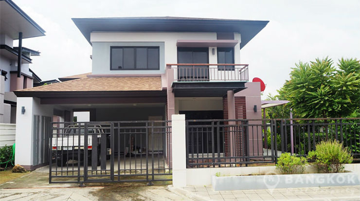 Aqua Divina Sammakorn Detached Modern 3 Bed 3 Bath with Garden to rent