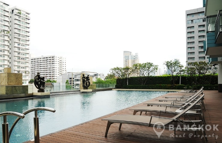 Ivy Thonglor | Modern 1 Bed Condo with Garden View photo