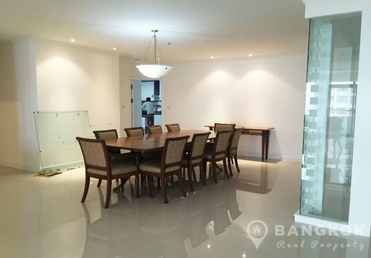 RENT Kallista Mansion | Newly Renovated Spacious 3 Bed