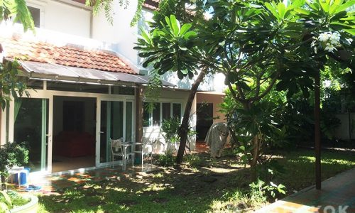 Modern Detached 3 Bedroom Phra Khanong House to rent