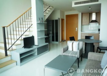 Emporio Place Condominium Stunning Spacious 1 Bed 2 Bath Duplex to rent