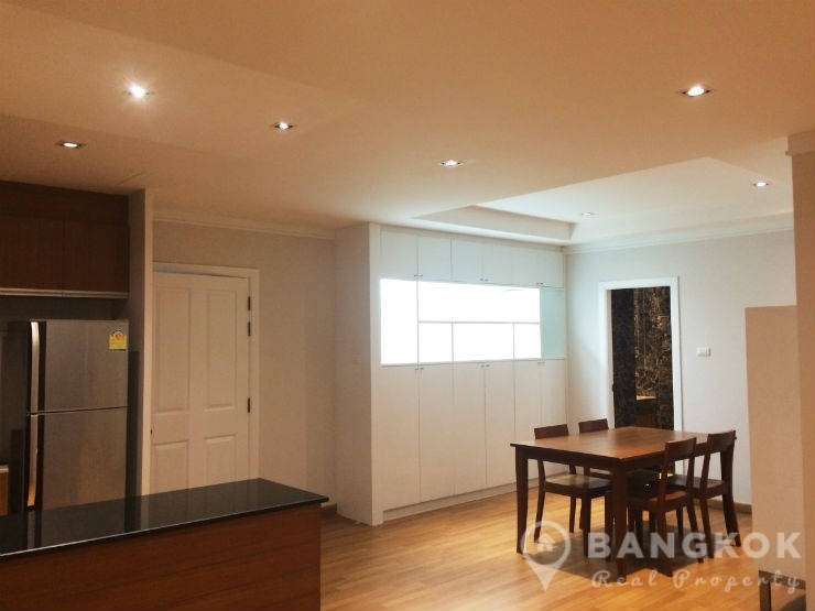 The Roof Garden | Renovated Spacious 1 Bed 2 Bath near BTS photo