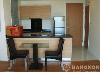 Wind Sukhumvit 23 Spacious High Floor 1 Bed near Asoke to rent