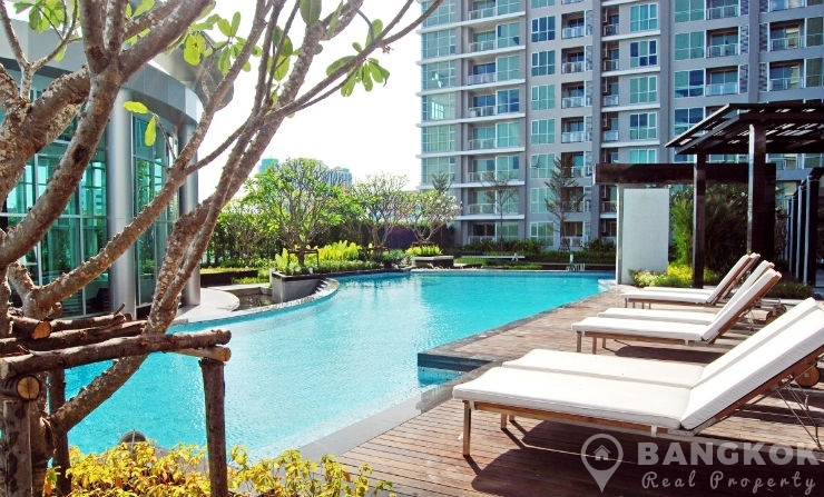 Rhythm Ratchada Condominium Modern High Floor 1 Bed next to MRT to rent