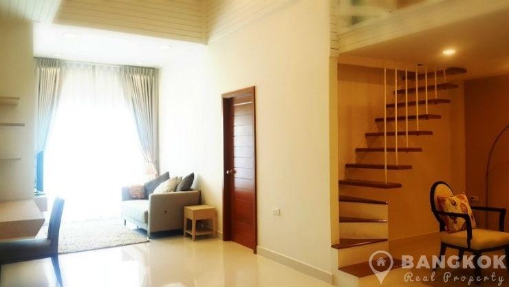Modern Spacious 2 Bed 2 Bath Duplex Thonglor Apartment photo