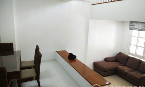 Bright Modern mid terrace 3 Bed 4 Bath Udomsuk Townhouse to Rent