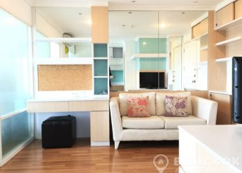 Lumpini Place Rama 9-Ratchada Modern High Floor 1 Bed near MRT to rent