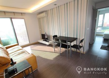 Thru Thonglor Stylish Modern 2 Bed 2 Bath in Thonglor to rent