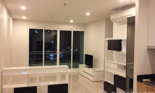 Circle Condominium Modern High Floor 2 Bed 2 Bath near MRT to rent