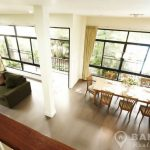 Contemporary 4 Bed 5 Bath Thonglor House in Compound to rent