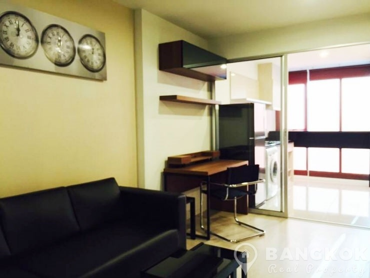 Rhythm Sathorn Narathiwas Superb Modern 1 Bed near Chong Nonsi BTS