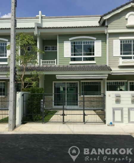 RENT Brand New 2 Bed 3 Bath Bangna Townhouse