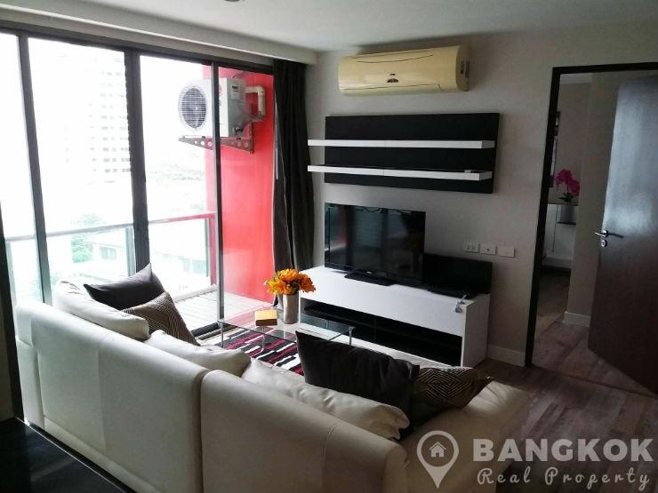 Click Condo Sukhumvit 65 | Modern High Floor 1 Bed + Study photo