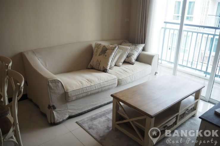 Voque Sukhumvit 16 Modern High Floor 2 Bed 2 Bath with Lake View to rent