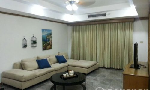 Royal Castle Sukhumvit 39 Spacious 4 Bed 4 Maid 1 Maid to rent near Phrom Phong BTS