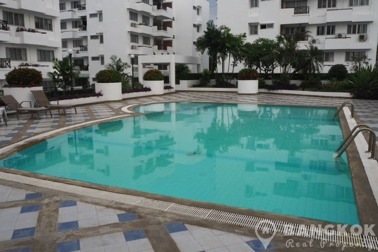 Sammakorn Condo Spacious 2 Bed 1 Bath in Sammakorn Village
