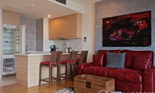 Aguston Sukhumvit 22 Renovated Pet Friendly 1 Bed 1 Bath to Rent