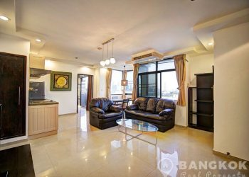 JC Tower Spacious Renovated High Floor 2 Bed 2 Bath in Thonglor to rent
