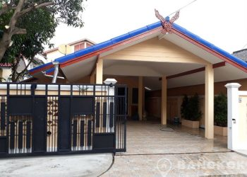 Newly Renovated Detached 2 Bed Sammakorn Village House to rent
