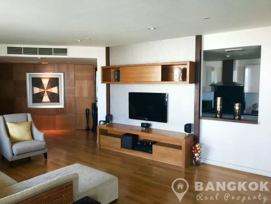 Watermark Chaophraya River Spacious 3 Bed 4 Bath with River Views for Sale