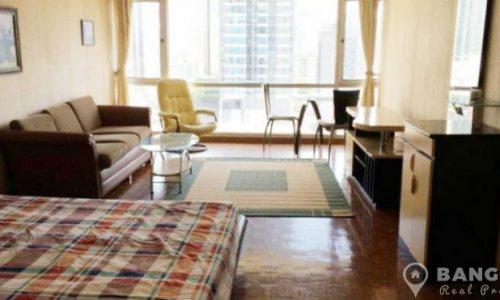Sukhumvit Suite Spacious Studio 1 Bath Condo adjacent Nana BTS for sale